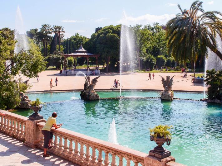 Barcelona, cascada monumental fountain pool, park pavillion, stone balustrade