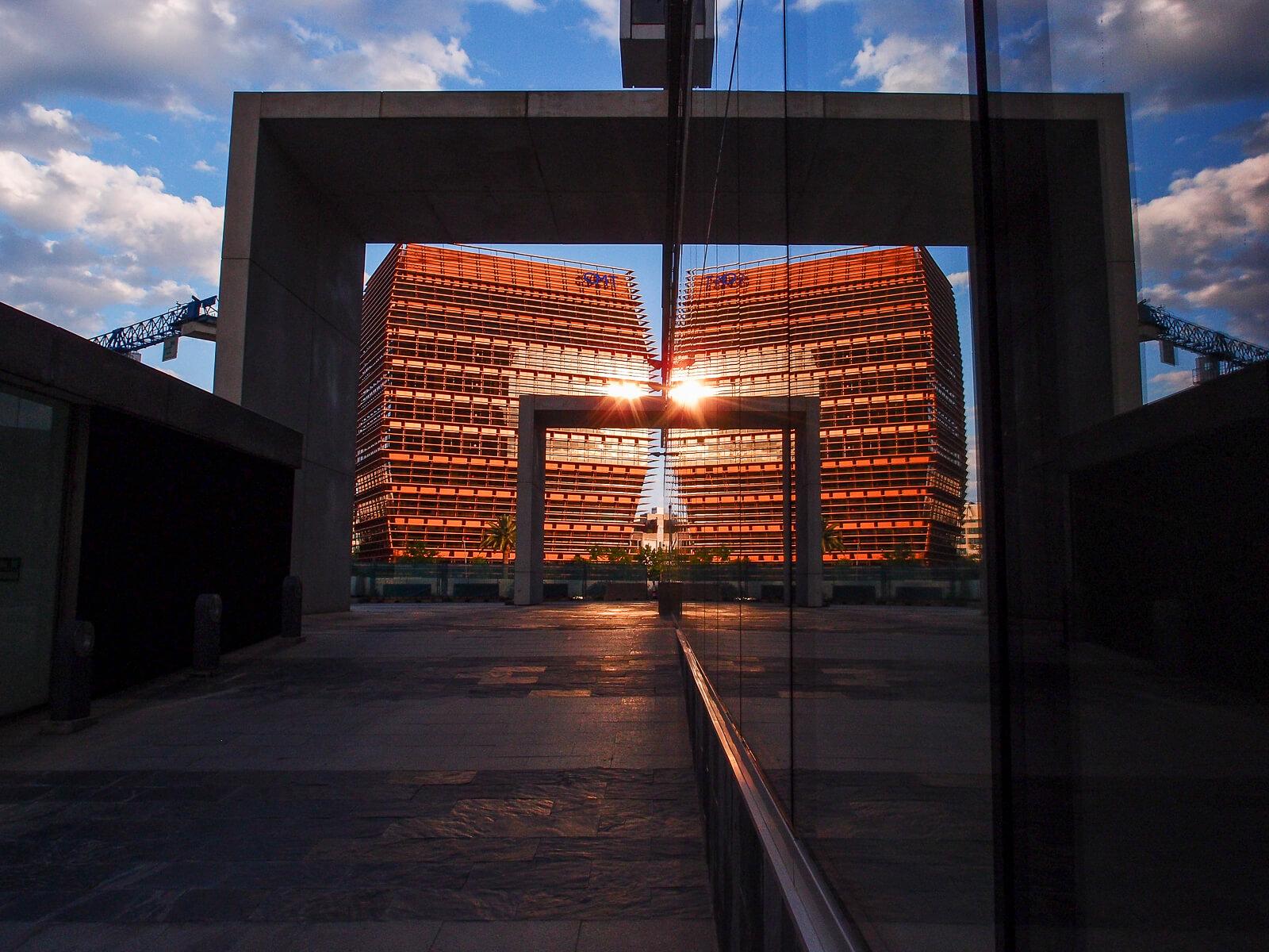 Barcelona Street Photography, CNMC building mirror, Comision Nacional Mercados Competencia
