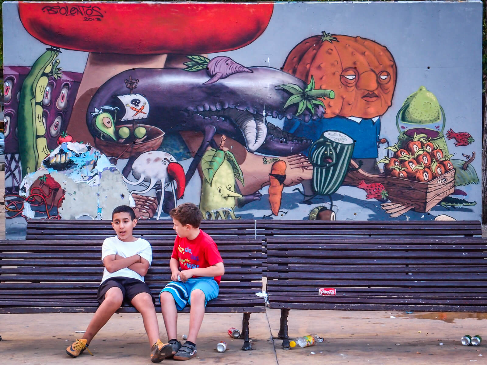 Barcelona Street Photography, Biolentos 2012 vegetables, street art mural