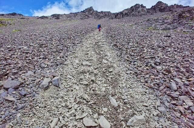 Dientes de Navarino Trekking Paso Virginia Rock Slide