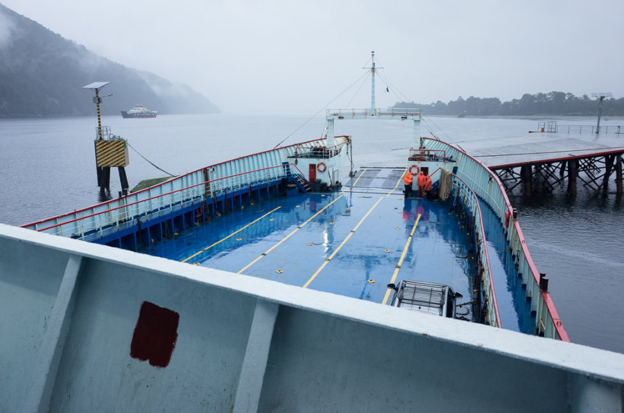 Puerto Raul Martin Ferry